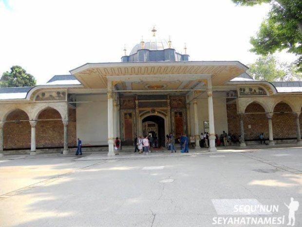 Bab'üs Saade Kapısı