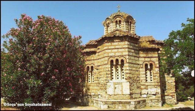 Nymphaion ve üzerindeki eski Bizans kilisesi - Atina Ancient Agora Gezilecek Yerler
