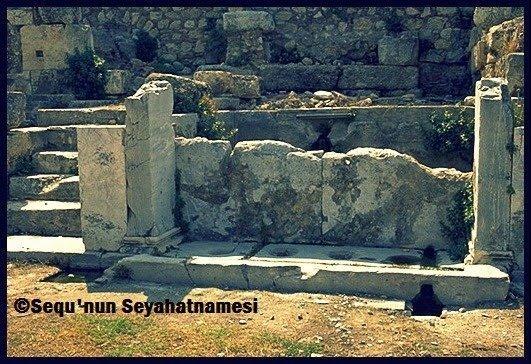 Roman Agorası'ndaki çeşme
