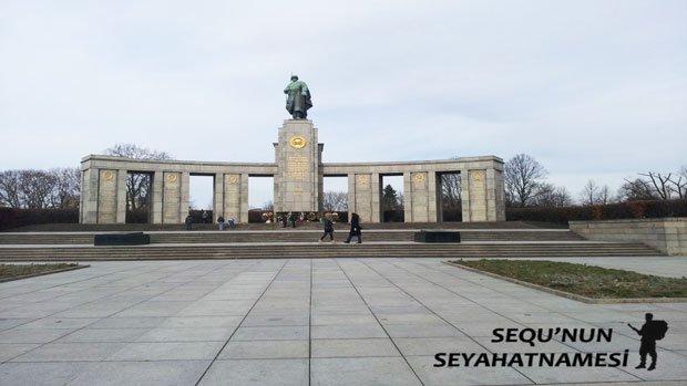 Berlin Sovyet Anıtı