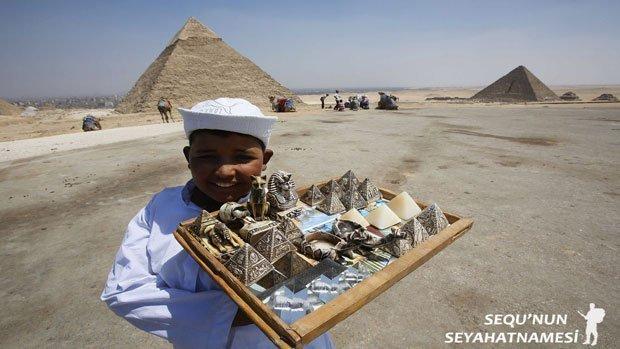 Giza Piramitleri Nerede