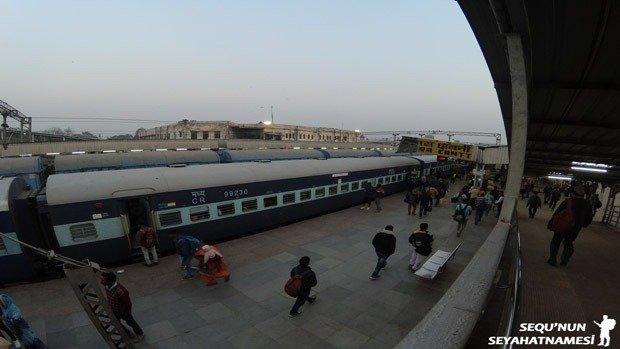 hindistan-tren-bileti-nasil-alinir