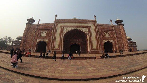 taj-mosque