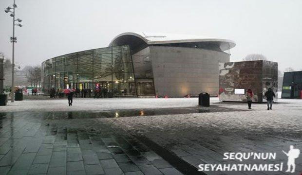 Stedelijk Müzesi